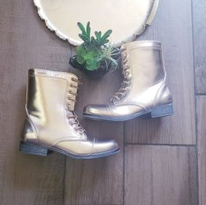 Bamboo Gold Leather shine lace Boots 6